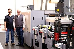 2-Dan-Cook-and-Travis-Pollard-from-ASL-with-their-new-hybrid-MPS-EF-SYMJET-press_450x300